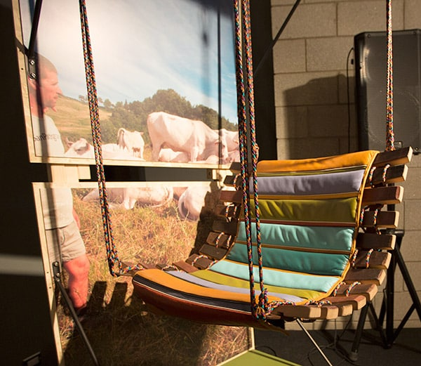 Epic pallet swing ideas enjoying the outdoors freely 12