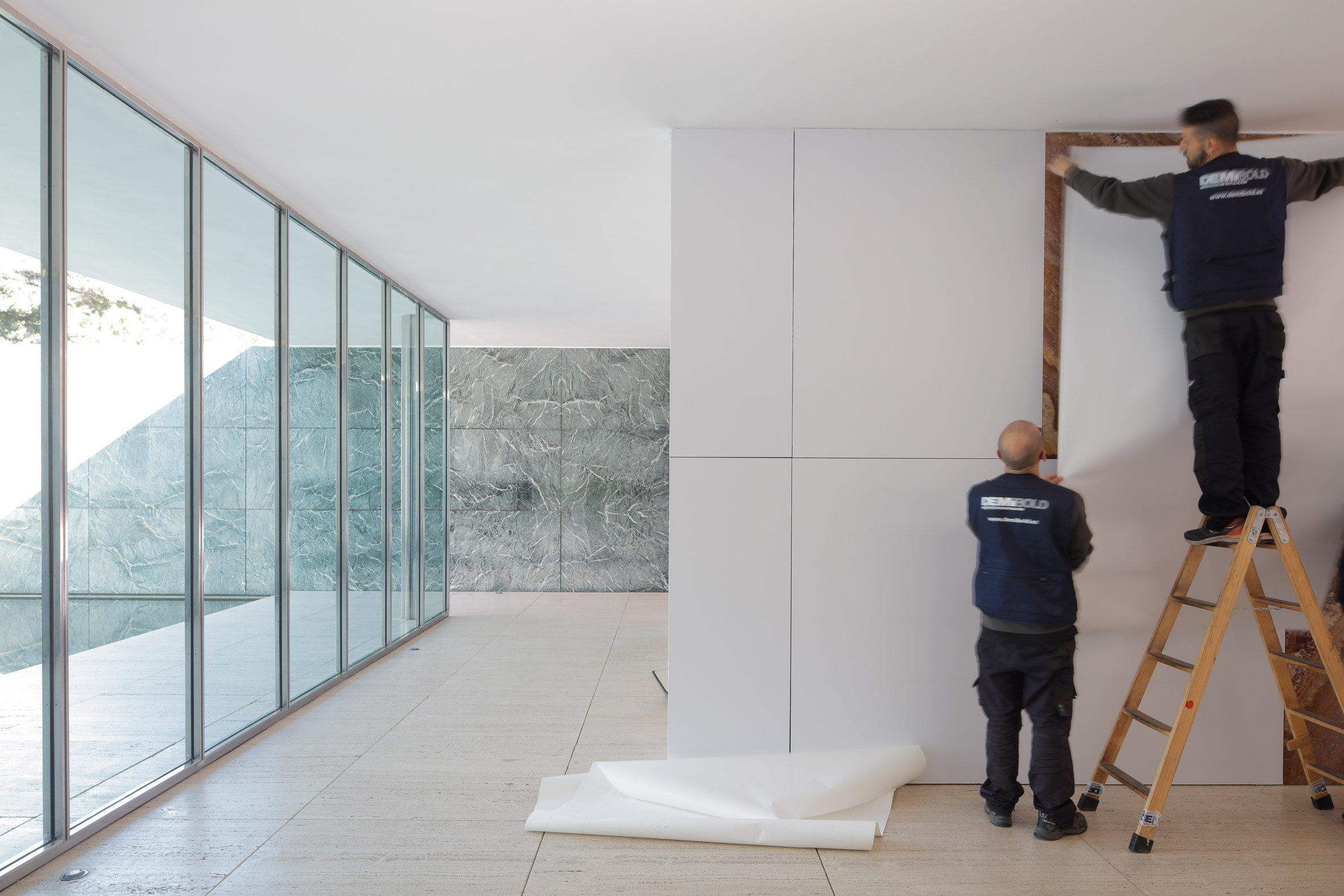 Marble Walls Whitened Temporarily In Mies Van Der Rohe S