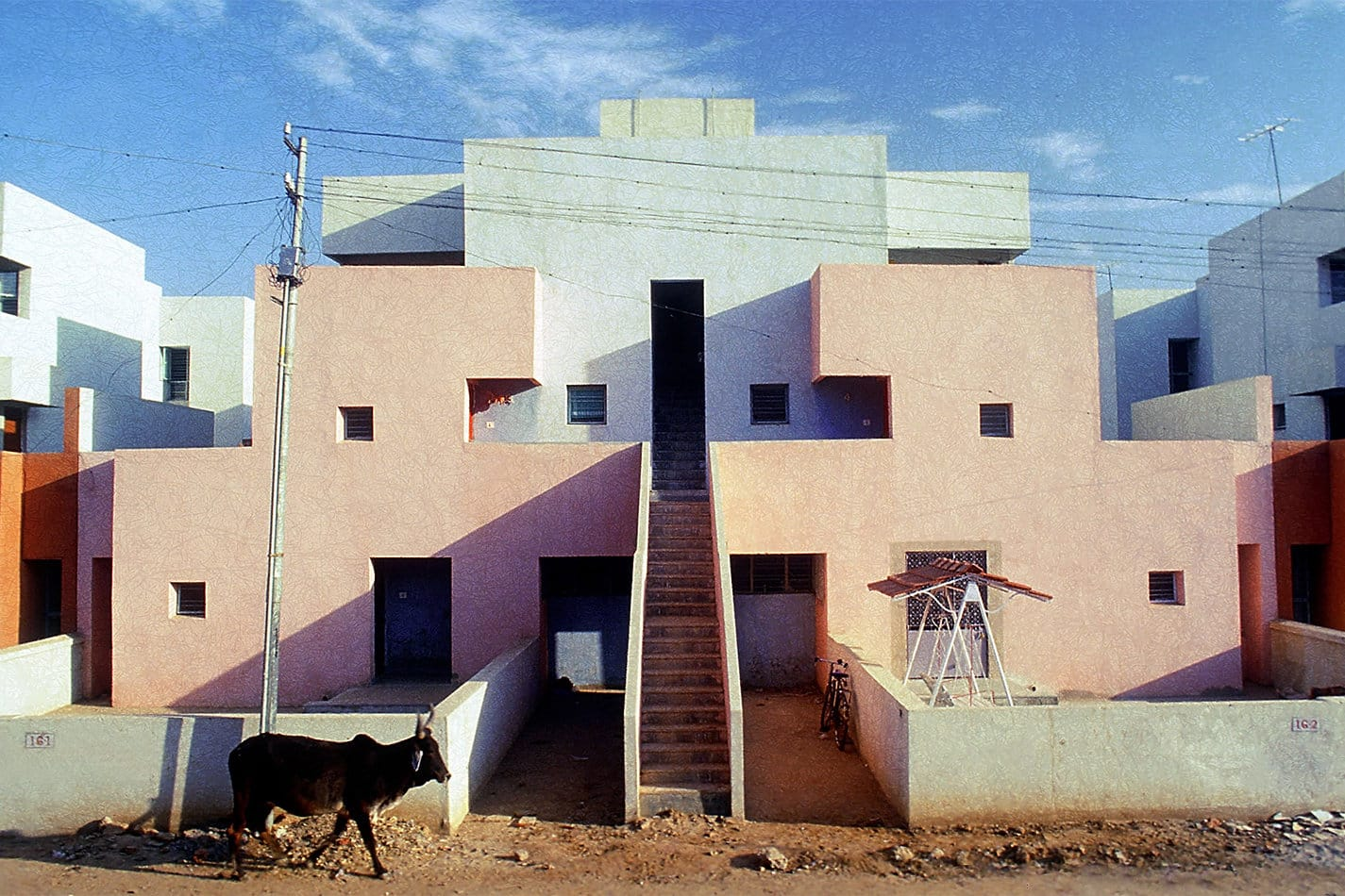 Balkrishna Doshi created the Life Insurance Corporation Housing building in Ahmedabad, India, in 1973. Courtesy of VSF