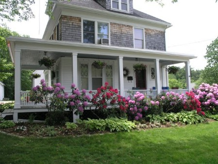 Give a Makeover to Your Porch Railings