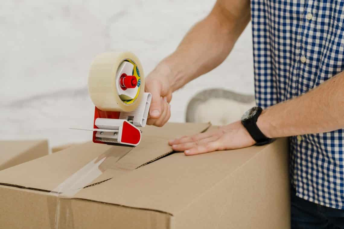 Packing apartment moving tips