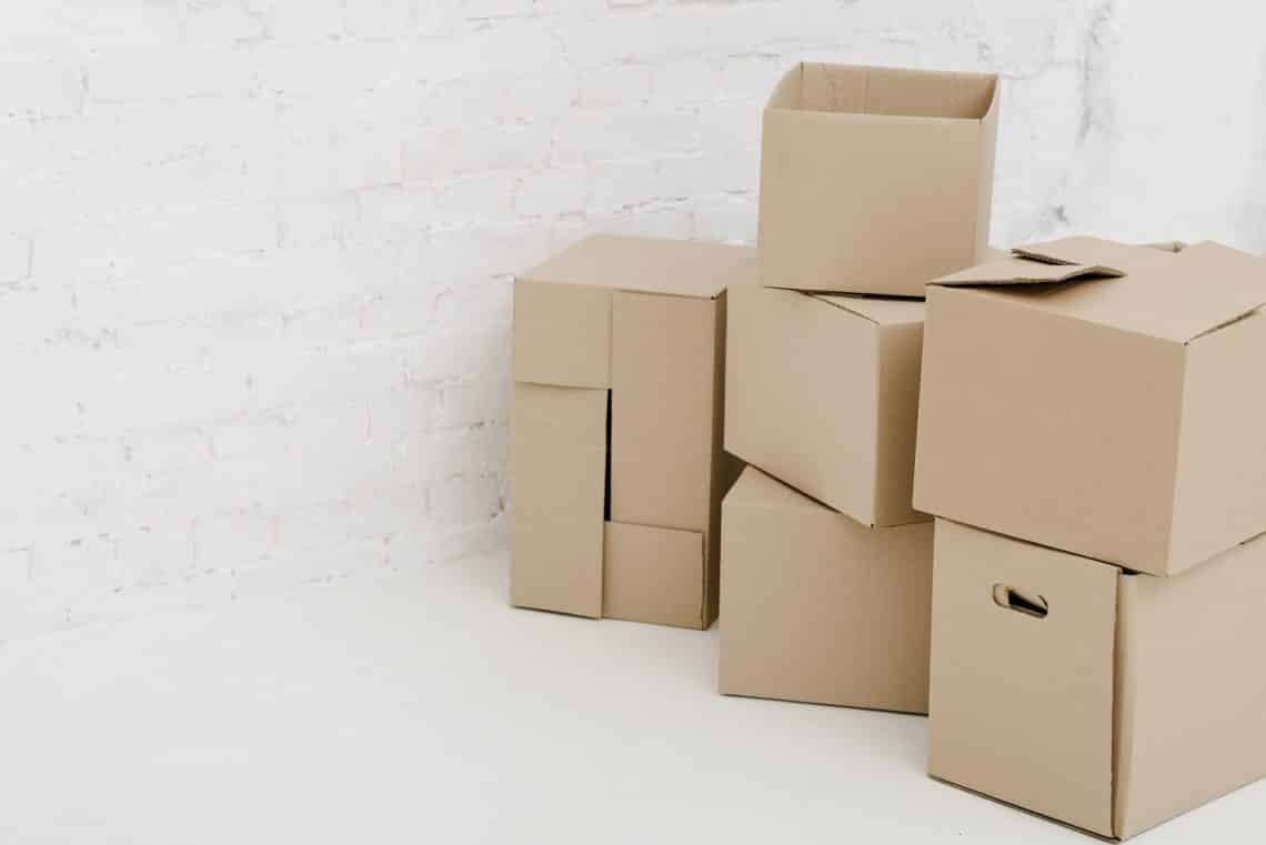 Learn how to pack quickly for a last minute move in a hurry 3