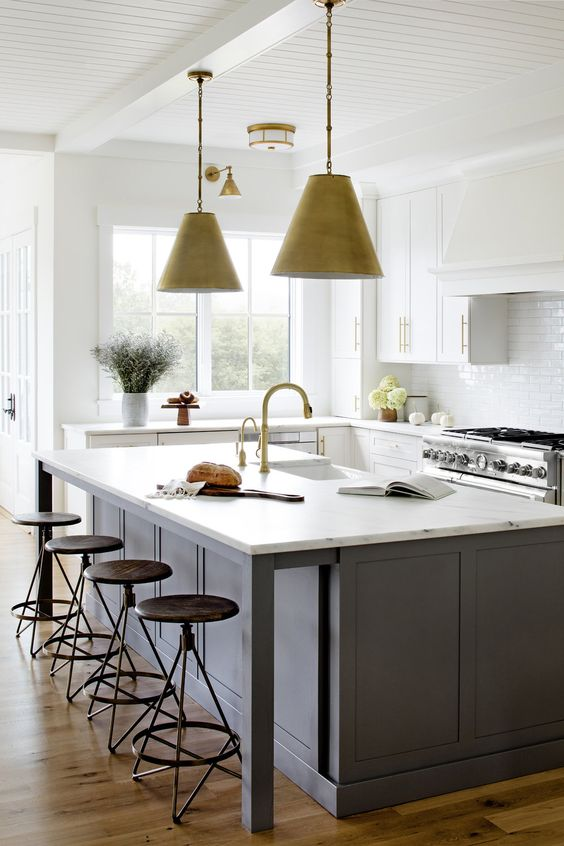 The great white and gray kitchen