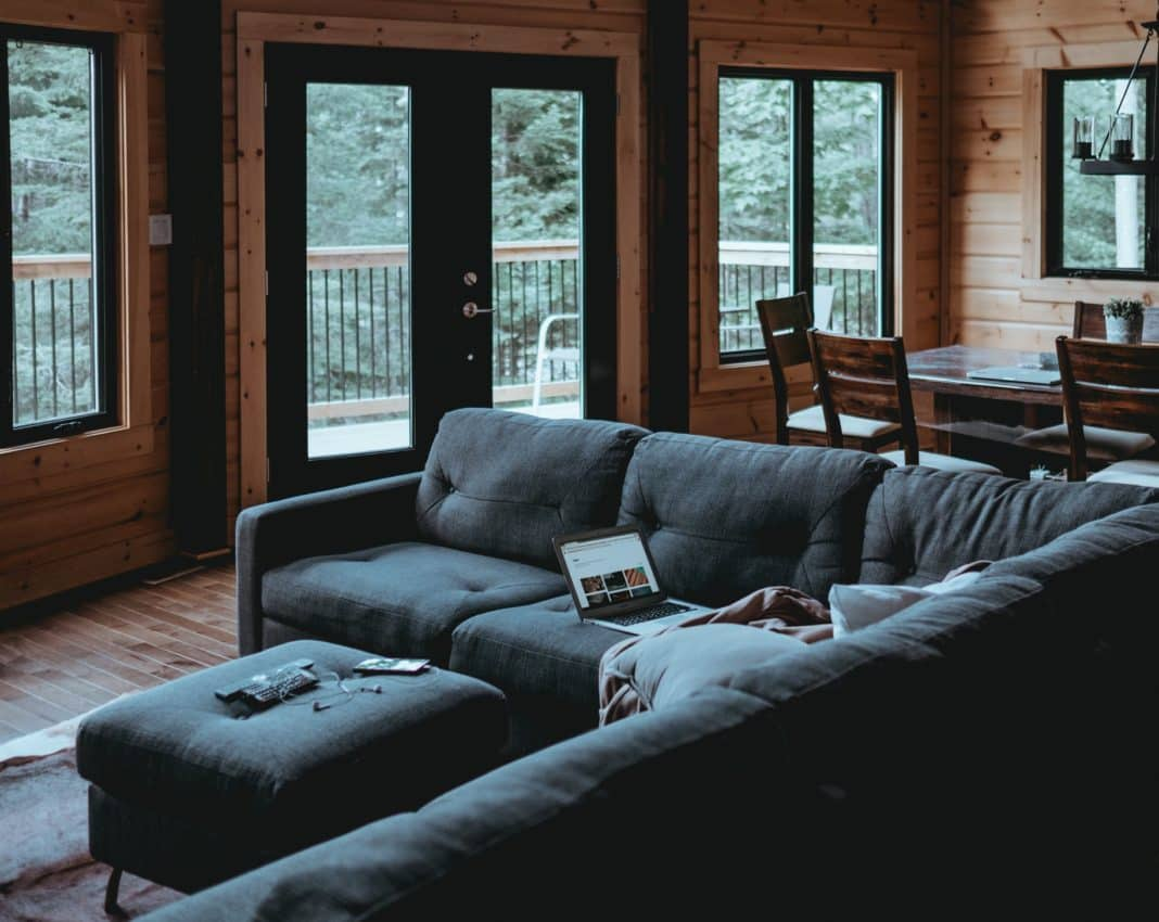 How to Choose a Corner Sofa for Small Rooms - Architecture Lab