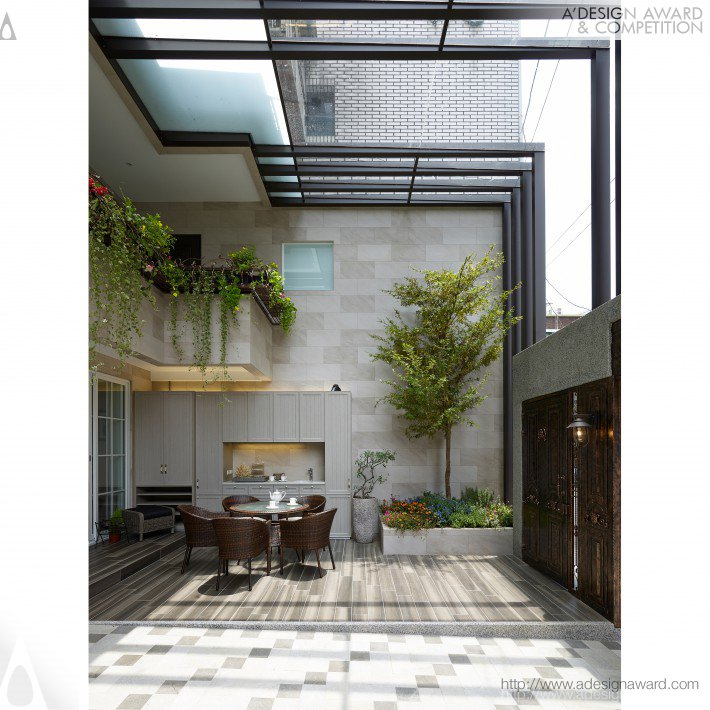 Back to glory residential house by lo fang ming