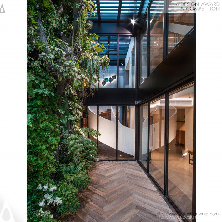 Forest and greenery private house by arthur ho