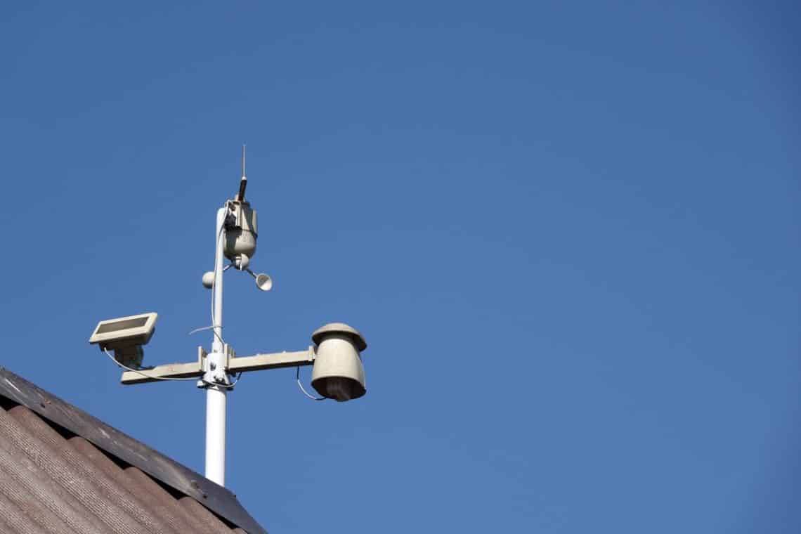 Whats the purpose of a home weather station 1