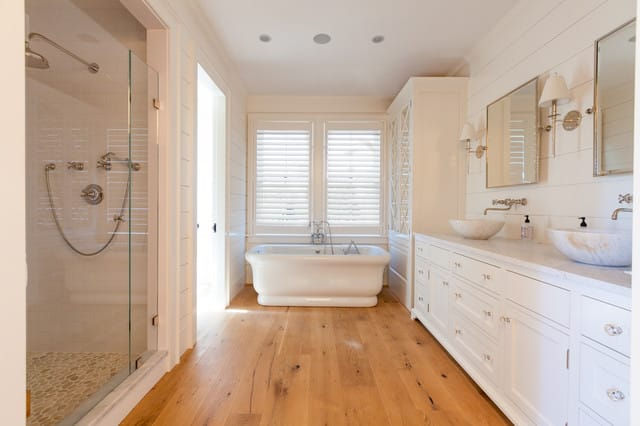 Using Hardwood Flooring In A Bathroom | Yay Or Nay? - Architecture Lab