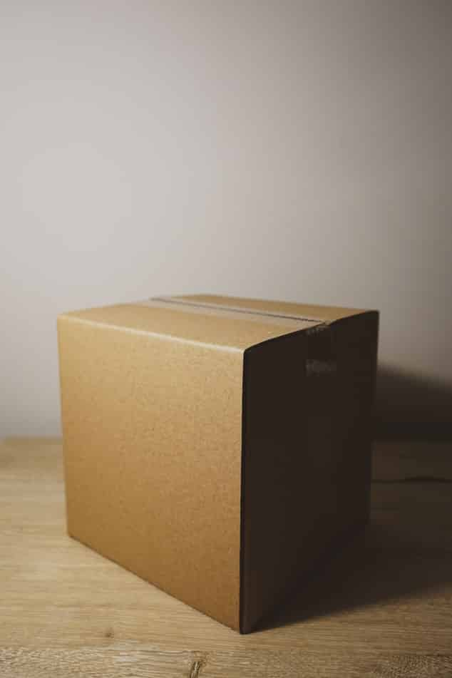 How to pack fragile items for moving 5