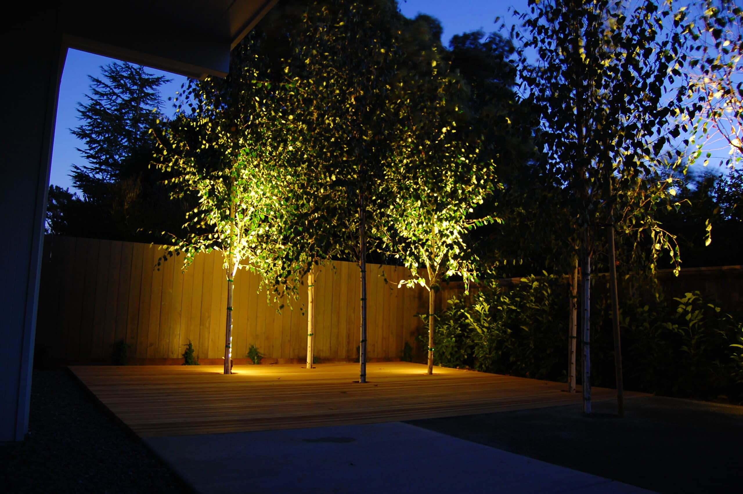 10 Brightest Solar Spot Lights For A Shiny Yard Architecture Lab