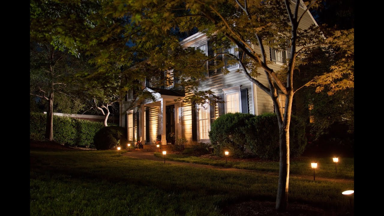 10 brightest solar spot lights for a shiny yard 2