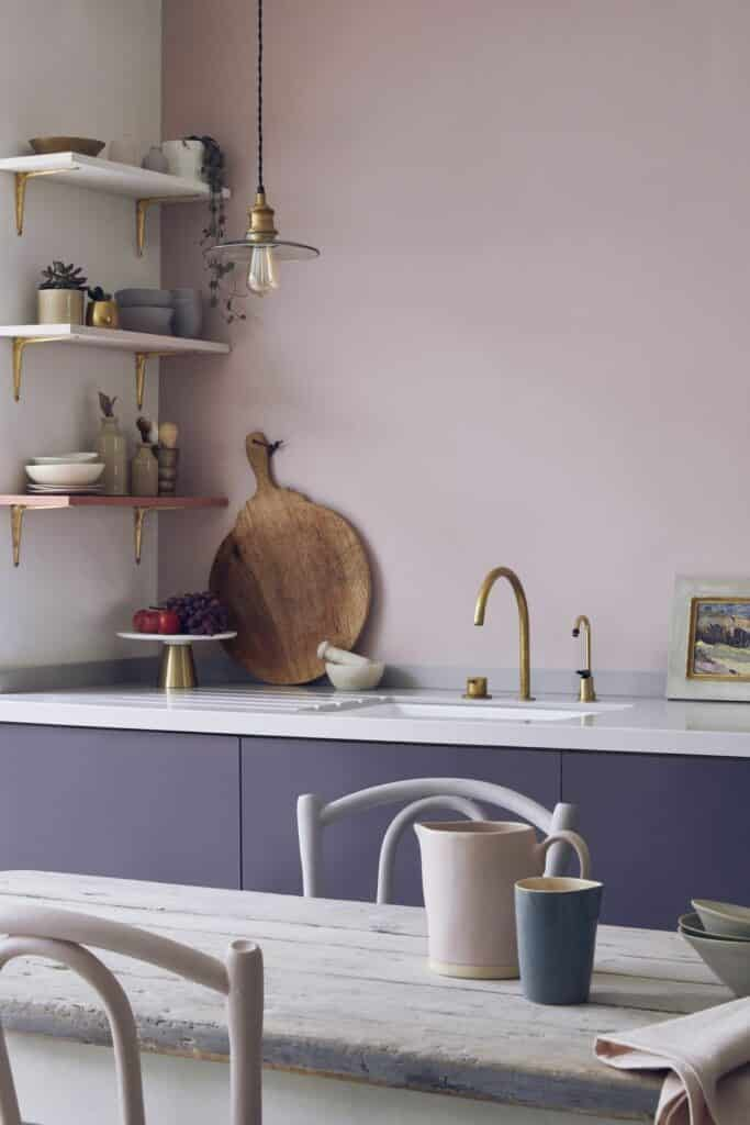 Annie sloan annie sloan painted kitchen cupboards in premixed aubusson blue and emperors silk chalk paint wall in an 2119314 1579393810