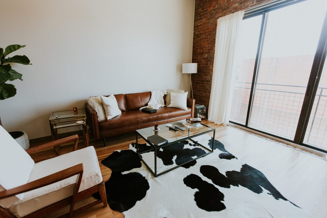 The use of leather in interior design 8