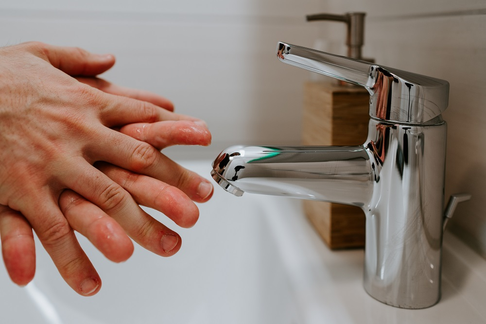 How to fix a leaky faucet 1