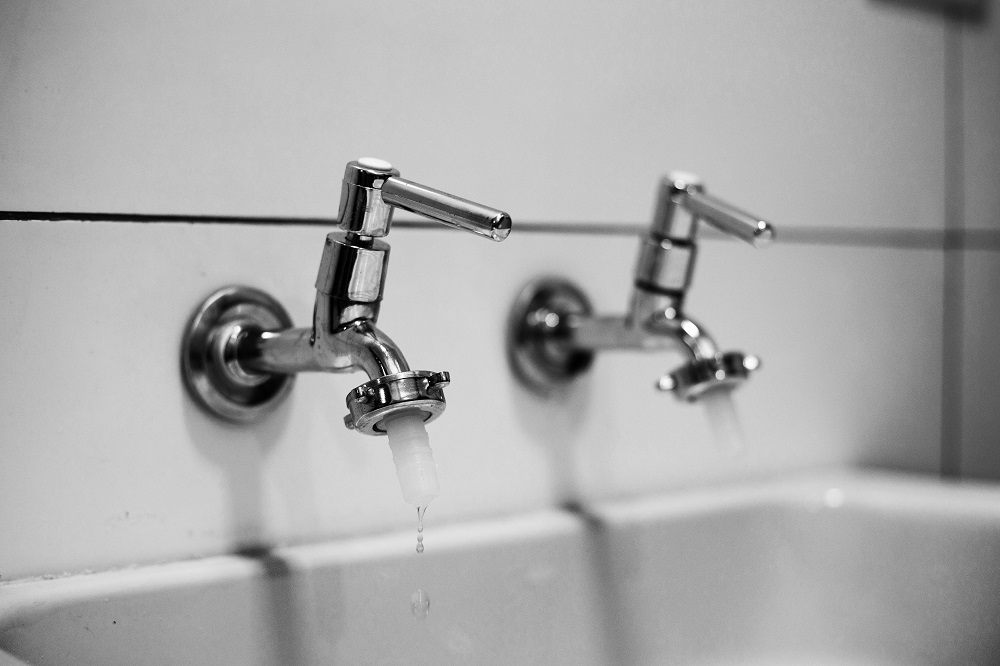 How to fix a leaky faucet 6